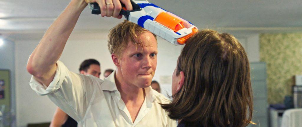 Tobias Schormann und Fabian Kloiber in Fluten (Regie: Georg Pelzer) - Filmstill
