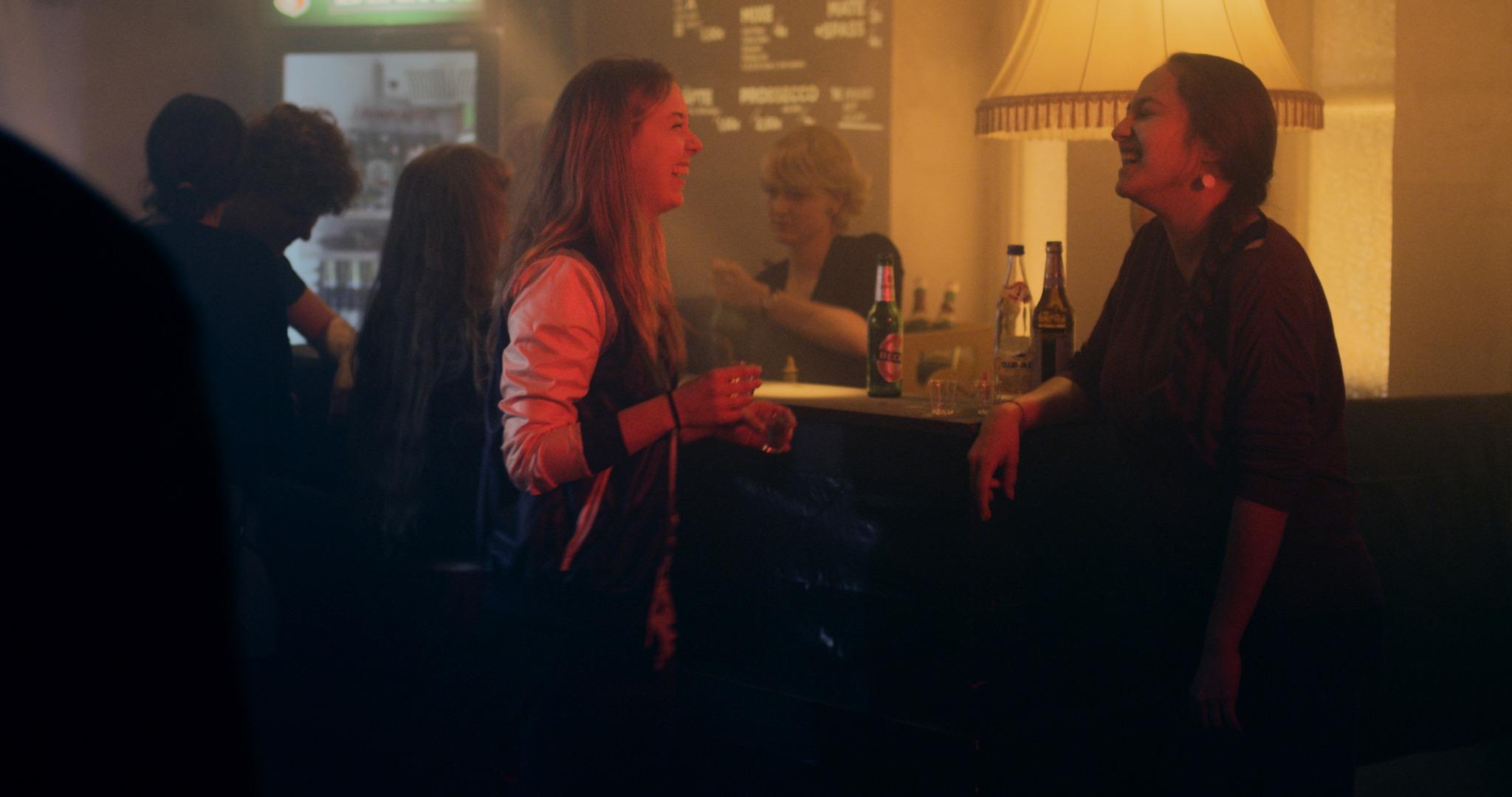 Anna Herrmann und Lo Rivera in Neverland Now (R: Georg Pelzer)